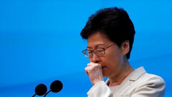 La governatrice di Hong Kong chiede scusa ai cittadini, ma non ritira la legge sull'estradizione