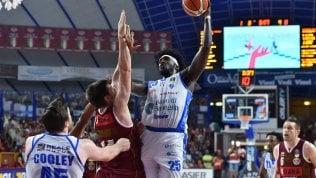 Basket, gara 5 della finale scudetto: in diretta Venezia-Sassari