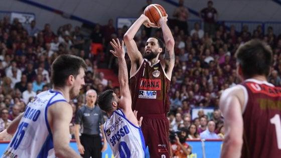 Basket, finale scudetto: Venezia mette la freccia, Sassari con le spalle al muro