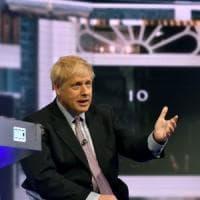 """Regno Unito, Johnson ricompare in tv e impone la sua Brexit: """"Il 31 ottobre si esce,..."""