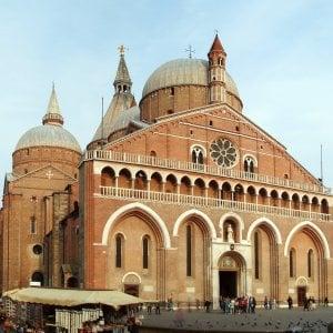 Padova, i frati di Sant'Antonio lanciano una festa per chi cerca l'anima gemella