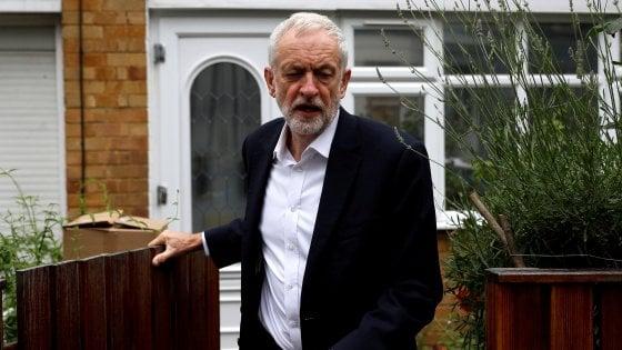 """Brexit, ora Corbyn esce allo scoperto: """"Sì a un secondo referendum in ogni caso"""""""