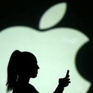 Apple contro i nuovi dazi di Trump: Ridurranno il nostro contributo all'economia Usa