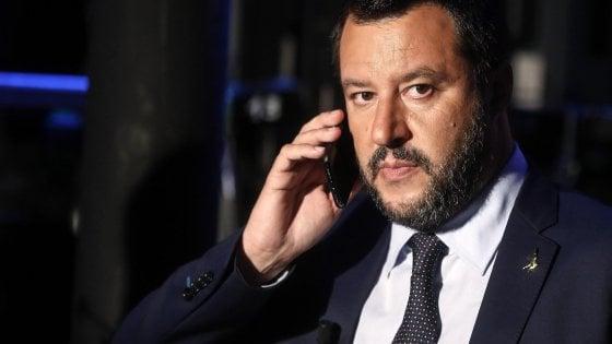 Salvini: Procedura Ue sarebbe un attacco politico. Conte: Noi mai con il cappello in mano