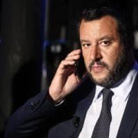 """Salvini: """"Procedura Ue sarebbe un attacco politico. Conte: """"Noi mai con il cappello in..."""
