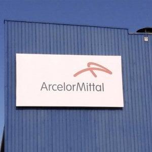 Ilva, Salvini su Arcelor Mittal: Gli investitori vanno agevolati. Boccia: No alla paralisi dell'industria