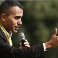 """M5s, Di Maio: """"Sono incazzato per le accuse di Di Battista"""". E su Salvini: """"Usa i voli di..."""
