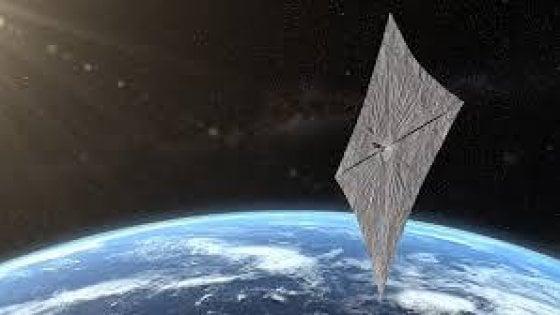 Il volo di una vela spaziale spinta dal Sole: è LightSail 2, il lancio con il razzo Falcon Heavy