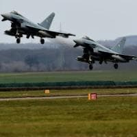 Germania, due Eurofighter si scontrano in volo. Un pilota è rimasto ucciso