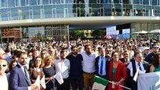 Milano, la festa in piazza subito dopo l'annuncio