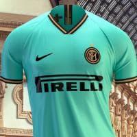 Inter, la maglia da trasferta è verdeacqua
