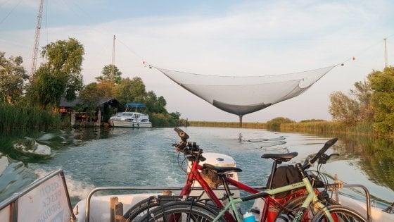 Una vacanza in bicicletta a Lignano con, a settembre, una grande mostra dedicata ad Andy Warhol