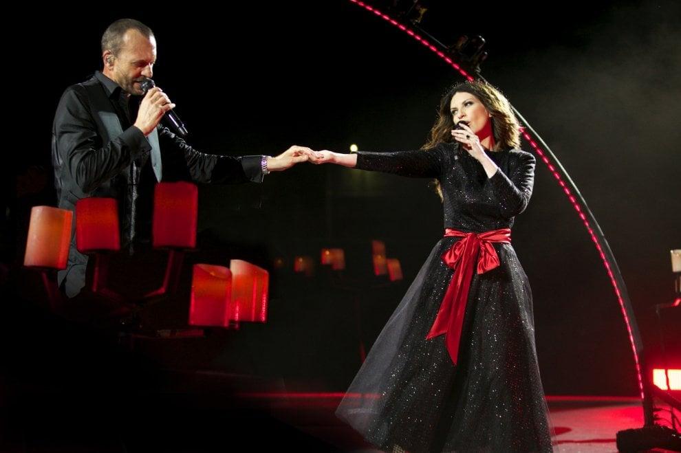 """""""Laura Biagio 2019"""", Pausini e Antonacci al via: un trionfo il debutto a Bari"""