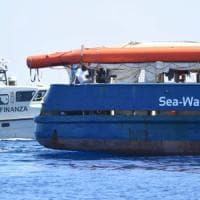 Migranti, altra notte in mare per i migranti della Sea Watch