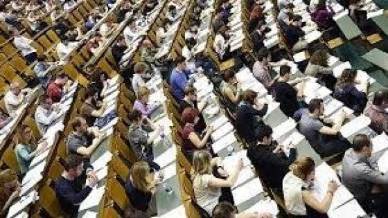 Test ammissione Medicina, 1.800 posti in più nell'accesso ai corsi