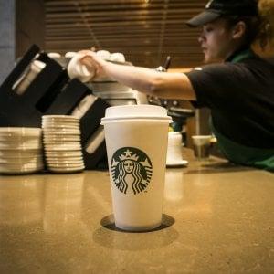 Meglio il caffè a casa o in ufficio, Starbucks soffre nel Regno Unito