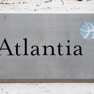 Atlantia, Di Maio torna all'attacco: Revoca concessione sia avviata per il 14 agosto