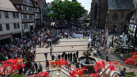 """Allarme neonazisti nel nord Germania, """"Si preparavano a uccidere"""""""
