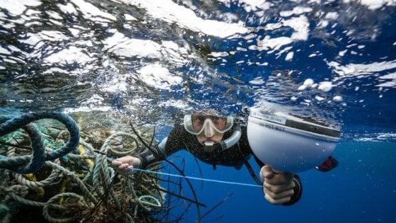 Raccolta record di rifiuti nel Pacifico: 40 tonnellate grazie a droni e satelliti