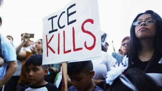 Razzismo contri i migranti e sessismo: le autorità Usa indagano sul gruppo Facebook della polizia di frontiera