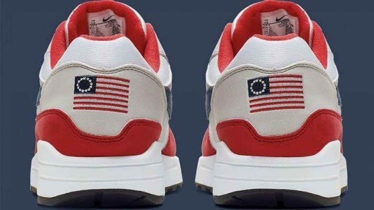 Nike ritira le scarpe per il 4 luglio: sul retro c'è una