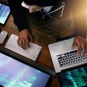 Maxi-operazione contro le finte assicurazioni online: chiusi 222 siti, 74 persone coinvolte