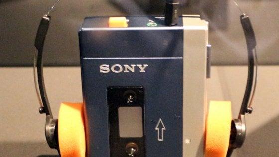 Quarant'anni di Walkman: la rivoluzione della musica 'portatile'
