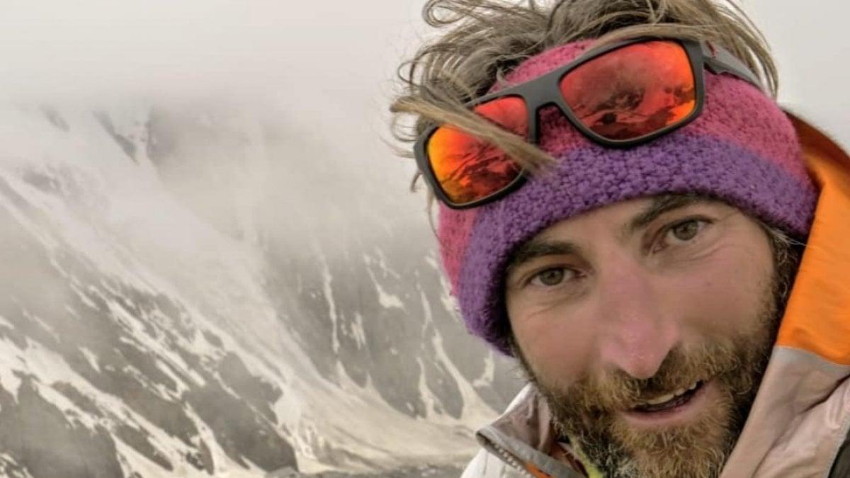 Nanga Parbat, il torinese Cala Cimenti arriva in vetta. Momenti di paura durante la discesa con gli sci