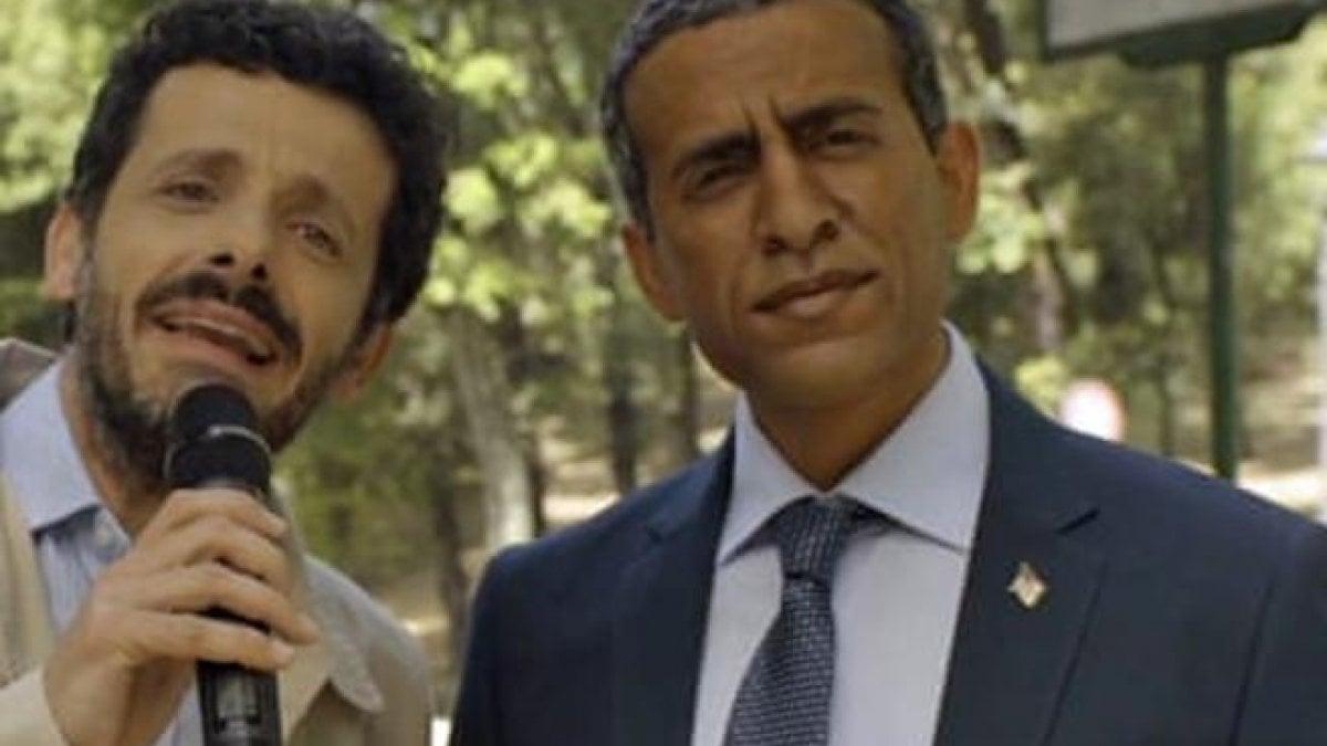 Gaffe di Alitalia: un attore bianco truccato da nero interpreta Obama. Ritirata la campagna