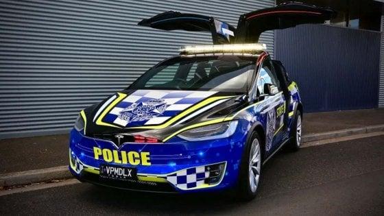 Australia, la polizia prova la Tesla Model X