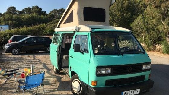 Vivere on the road fra le spiagge di Maiorca. Abbiamo testato Yescapa, l'Airbnb del campering
