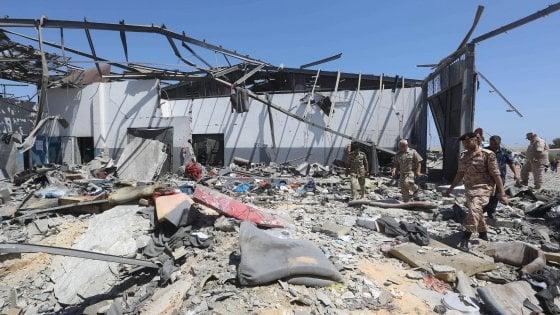 """Libia, Onu e Ue condannano bombardamento di Tajoura. Oms: """"Mille morti in tre mesi"""". Ma Haftar rilancia"""