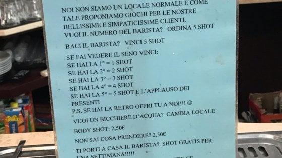 """""""Se fai vedere il seno bevi gratis"""", il cartello in un bar di Treviso"""