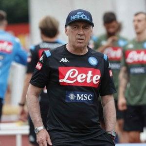Il Napoli in ritiro con la testa al mercato: nel mirino James Rodriguez e Icardi