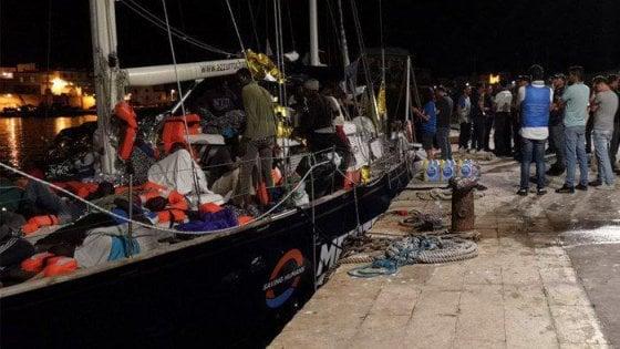 Migranti, decreto sicurezza: la Finanza confisca la barca Alex della Ong Mediterranea a Lampedusa