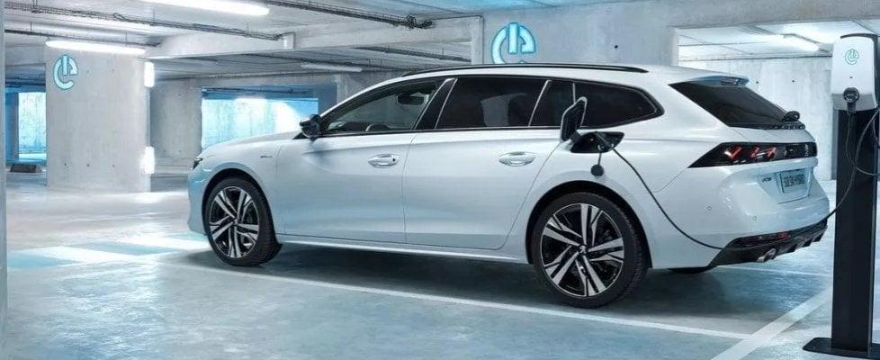 Nuova Peugeot 508 SW HYBRID, lo stato dell'arte della tecnologia più eco