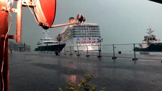 Grandi navi, incidente sfiorato; il sindaco di Venezia attacca: la colpa è del ministro Toninelli