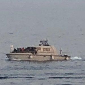 Migranti, navi militari a difesa dei porti italiani e nuovi accordi con Libia e Tunisia per fermare le partenze