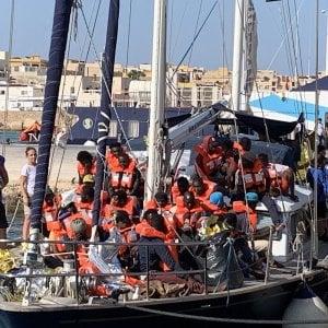 Mediterrana lancia una raccolta fondi su Facebook per pagare le multe