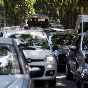 Cinquanta milioni per gli appalti pubblici intelligenti, si comincia con la mobilità sostenibile