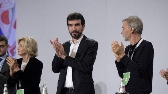"""Pd e il nuovo statuto, l'ira dei renziani: """"No alla separazione fra segretario e candidato premier"""""""