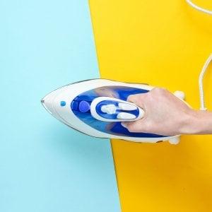 Vestiti lavati e stirati anche in vacanza: così la app sostituisce la lavanderia