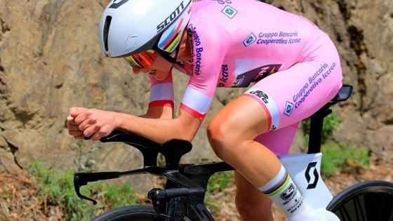 Ciclismo, Giro donne: Van Vleuten domina la crono. Longo Borghini terza