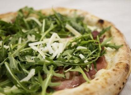 Avere 113 anni e non sentirli: l'eleganza di Umberto e della sua pizza