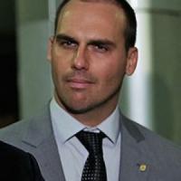 Brasile, Bolsonaro pensa al figlio Eduardo come ambasciatore negli Usa