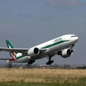 Alitalia, il governo mette fretta ad Atlantia: No a proroga scadenza del 15 luglio
