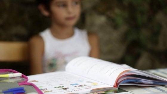 Scuola,  modulo richiede etnia per nomadi, scoppia la polemica