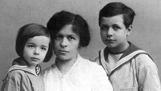 Una laurea postuma per la moglie di Einstein, la scienziata dimenticata