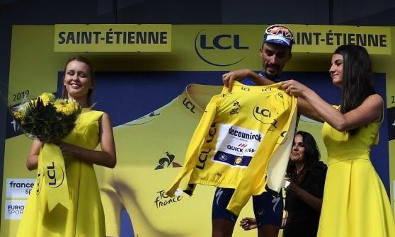 Ciclismo, Tour de France: Alaphilippe sfila la gialla a Ciccone. Tappa a De Gendt, crolla Nibali