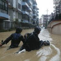 Piogge monsoniche flagellano il Nepal, almeno 50 morti